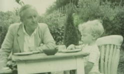 jrr-tolkien-with-his-gran-007