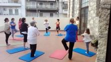 Γιόγκα με τον kriskross - Yoga lessons with kriskross