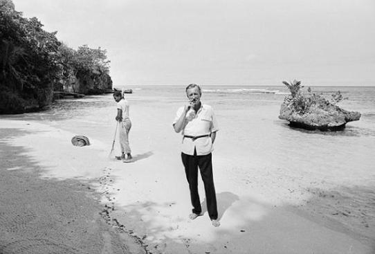 Ο Fleming στα νερά της Jamaica.