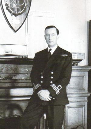 Ο Fleming στα χρόνια του στο Ναυτικό.