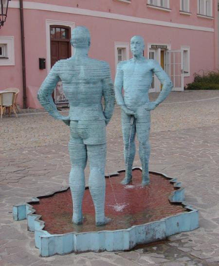 David-Cerny-peeing-guys