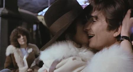 Ως αρραβωνιαστικός της Maria Schneider στο «Last Tango in Paris» του Bertolucci, 1972. O Léaud θαύμαζε απεριόριστα τον Marlon Brando, αλλά δεν τόλμησε να τον συναντήσει σε καμιά σκηνή.