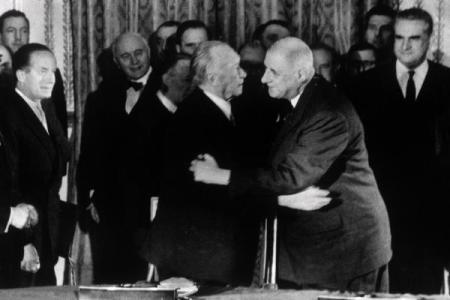 KONRAD ADENAUER (1876-1967) war von 1949 bis 1963 erster Bundeskanzler...