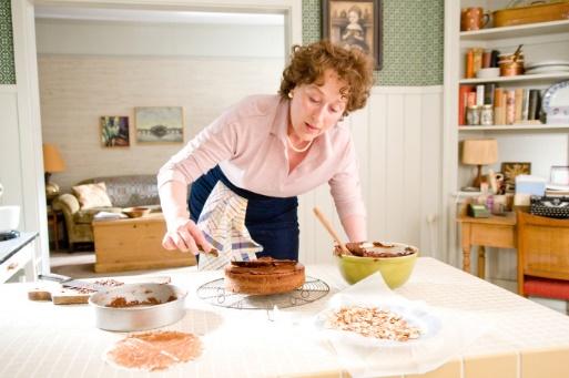 (Η Meryl, παρεμπιπτόντως, χωρίς photoshop, σε ρόλο μαγείρισσας, στο Julie and Julia, 2009)