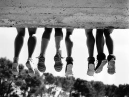 Τέσσερα ζευγάρια πόδια Κατασκήνωση στη Belle-Île-en-Mer, Sauzon, 1936 © Pierre Jamet © collection Corinne Jamet