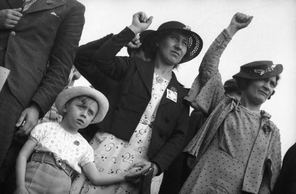 Γιορτή του Λαϊκού Μετώπου Stade Buffalo. Montrouge (Hauts-de-Seine), 14 Ιουνίου 1936. Φωτογραφία του Gaston Paris. © Gaston Paris / Roger-Viollet