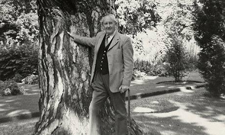 JRR-Tolkien-in-1973-001