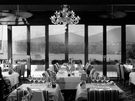 the-windows-restaurant1-462x346
