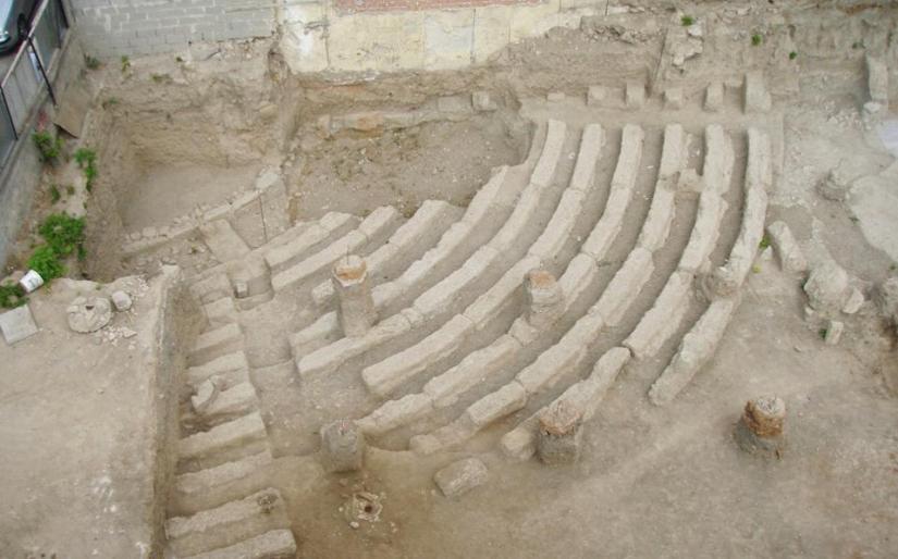 Αρχαίο θέατρο με μέλλον στιςΑχαρνές