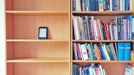books-vs-ebooks-protect-environment-simple-decision