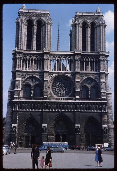 May-10-1960-Description-Slide-Notre-Dame-de-Paris