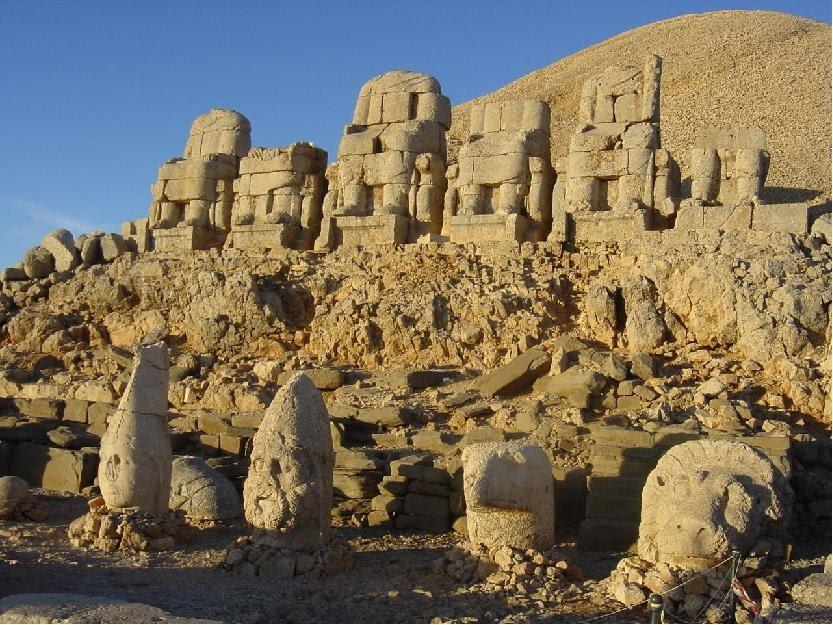 Nemrut Dag statues sculptures Turkey