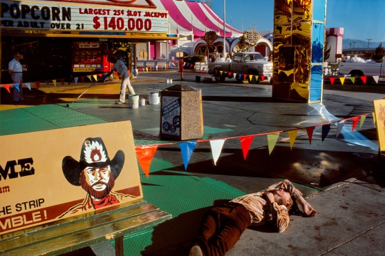 USA. Nevada. Las Vegas. Drunken man on a Casino parking lot. 1982.
