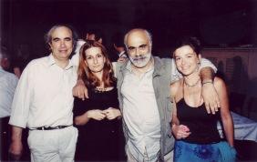 Γιώργος Κεραμυδάς, Φωτεινή Φραγκούλη, Χρήστος Μπουλώτης, Εύη Τσακνιά. Εκδήλωση για το βιβλίο «Οι άγγελοι των κοχυλιών», 2003.