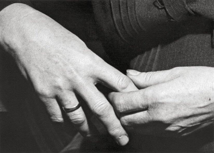 Τα χέρια της μάναςμου
