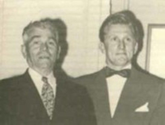 Kirk-Douglas-With-His-Father-On-Left