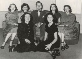 Kirk-Douglas-With-His-Sisters